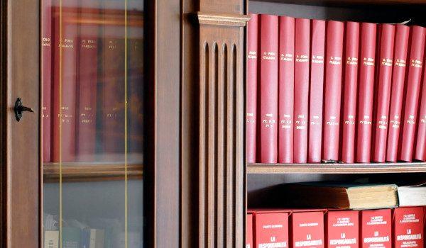 ESERCIZIO ABUSIVO DELLA PROFESSIONE ED ART. 131 bis C.P.